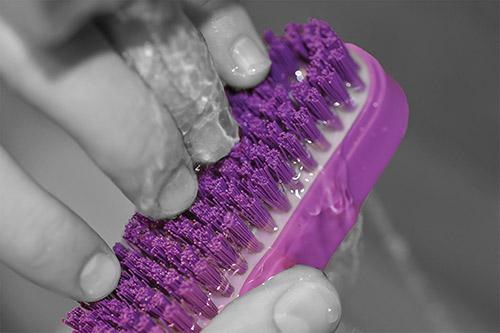 AMNA4 nail brush